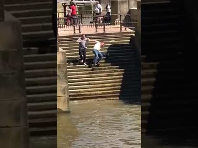 Man Takes Funny Fall Into The River Thames London